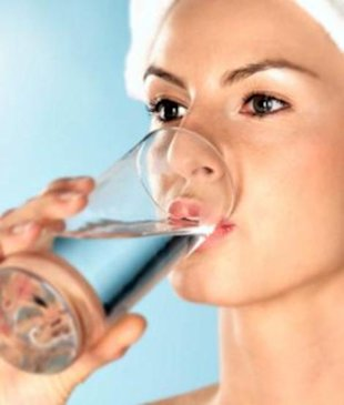 Six reasons to drink more water today