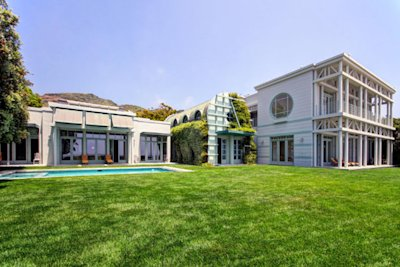 Larry Ellison bought this home on Malibu's Carbon Beach for $37 million in 2012. Click the photo to read more about it.