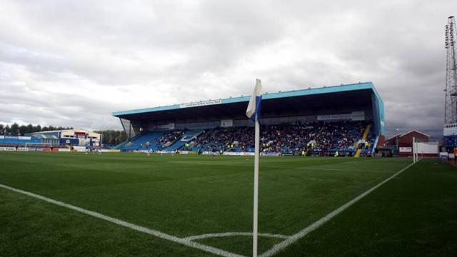 League One - Feely joins Carlisle on loan