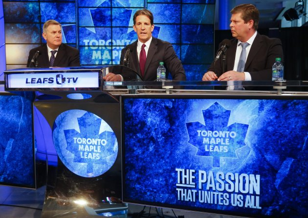 Newly-introduced Toronto Maple Leafs President Brendan Shanahan (C), Tim Leiweke, president and CEO of Maple Leaf Sports & Entertainment, and Dave Nonis (R), general manager of the Toronto Maple Leafs, attend a news conference in Toronto, April 14, 2014. REUTERS/Mark Blinch (CANADA - Tags: SPORT ICE HOCKEY BUSINESS)