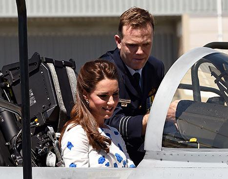 "Kate Middleton, Prince William ""Giggle"" In Aircraft Cockpit During Air Force Visit On Tour, Receive Boomerang For Prince George"
