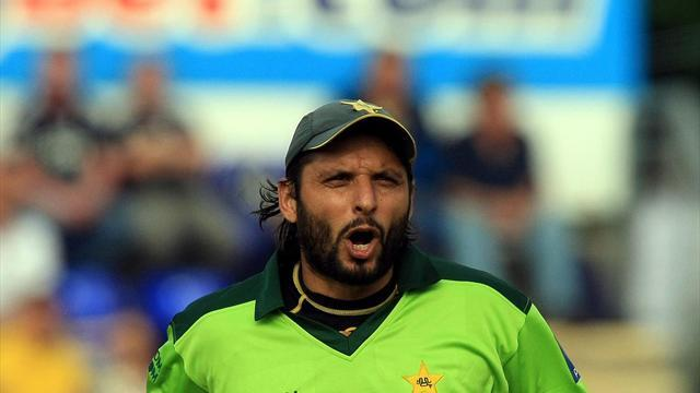 Cricket - Afridi: New one-day rules have slow bowlers in a spin