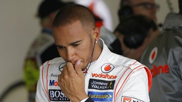 Formula 1 - Hamilton concedes title out of reach
