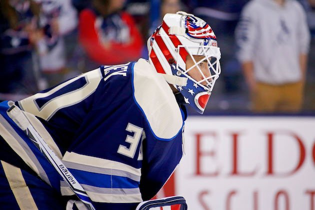 COLUMBUS, OH - NOVEMBER 18: Curtis McElhinney #30 of the Columbus Blue Jackets warms up prior to the start of the game against the New York Rangers on November 18, 2016 at Nationwide Arena in Columbus, Ohio. (Photo by Kirk Irwin/Getty Images)