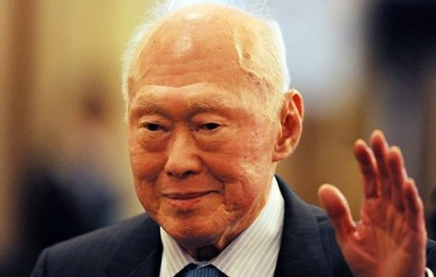 Singapore former Prime Minister Lee Kuan Yew celebrates his 90th birthday on Monday, 16 September. (AFP Photo)