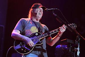 CSNY, Killers, Queens of the Stone Age to Play Bridge School Benefit