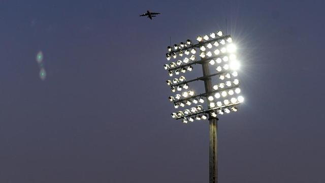 Scottish Premier League - Match abandoned as floodlights fail three times