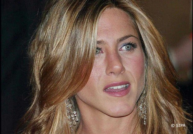 Jennifer Aniston : Adonis Tsilimparis l'embrassait à 12 ans