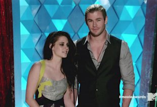 Chris Hemsworth 'Feels Sorry For Kristen Stewart', Says 'Twilight Fans Are Mental'