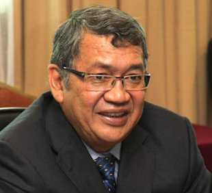 Tan Sri Abdul Gani Patail (pic) says he was not aware of the decision that was conveyed by Chief Secretary Tan Sri Ali Hamsa this morning. ― File pic