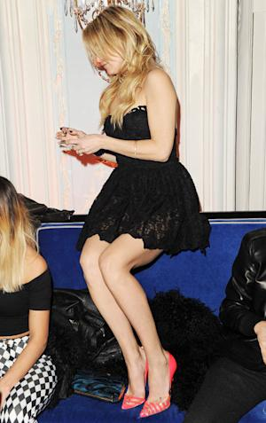 Kate Hudson Flaunts Amazing Legs, Dances on Couch, Kisses Fiance Matt Bellamy at Brit Awards Afterparty: Pictures