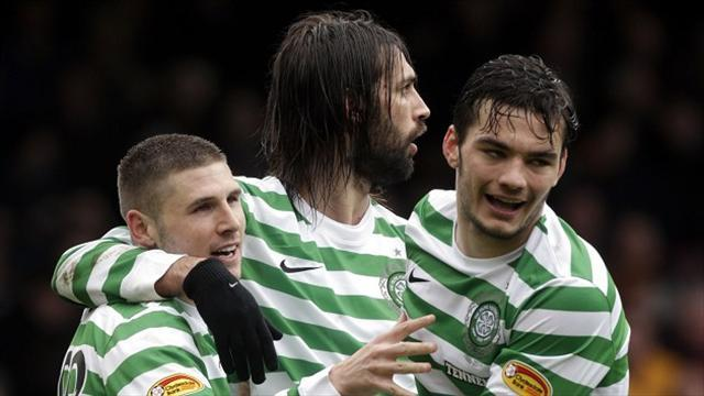 Football - Watt wants Hooper to stay
