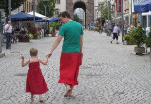 The Dad Who Wore A Skirt to Stop Bullies