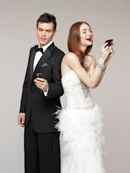 bridal guide magazine bride and groom on cell phone