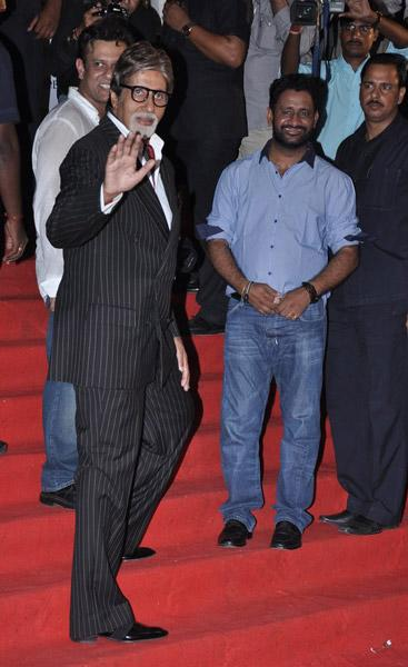 Big B, SRK at 'Chittagong' premiere