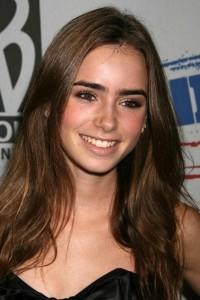 Lily Collins, Sam Claflin Board Romantic Comedy 'Love, Rosie'