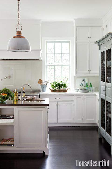 A New Kitchen with a Warm Patina