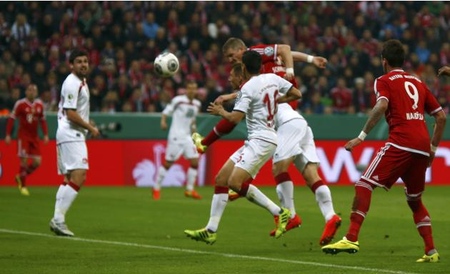 Bayern Munich's Schweinsteiger scores goal against 1.FC Kaiserslautern during their German soccer cup semi-final match in Munich