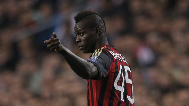 Champions League - Last-gasp Balotelli penalty earns Milan draw at Ajax