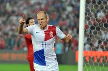 Turkey 0-2 Netherlands: Robben and Sneijder seal win