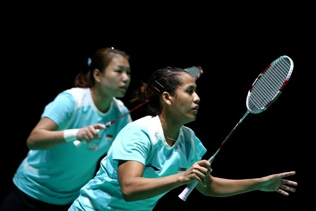 Yao Lei (left) and Shinta Mulia Sari clinched Singapore badminton's only medal at the SEA Games last year. (Getty Images)