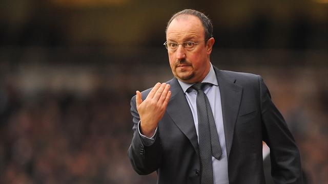 Football - Benitez demands more from Chelsea