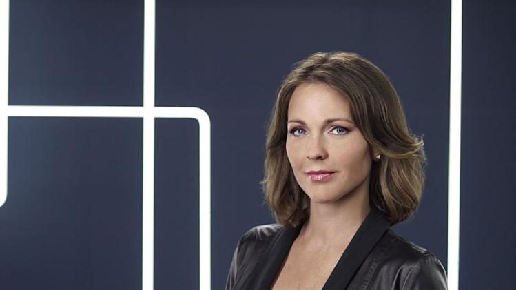 "Kelli Williams as Dr. Gillian Foster in ""Lie To Me."""