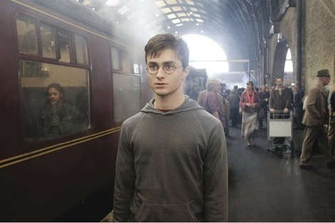 Daniel Radcliffe MASSIVELY Overshares, As He Talks Losing His Virginity