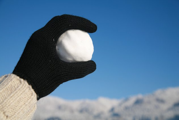 Warning: Youngsters could face arrest for badly-aimed snowballs (Fotolia)