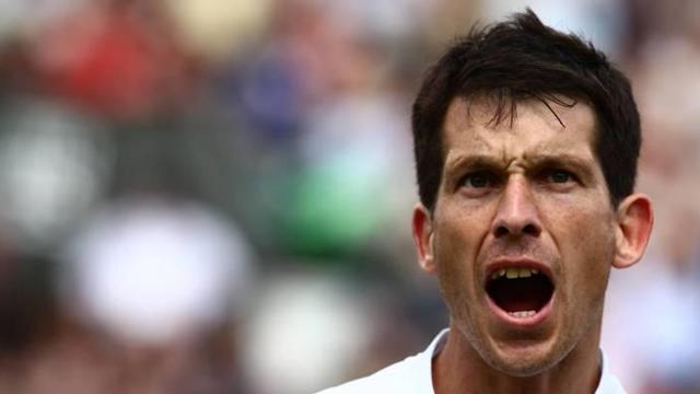 Tennis - Henman sets up Masters final with Santoro