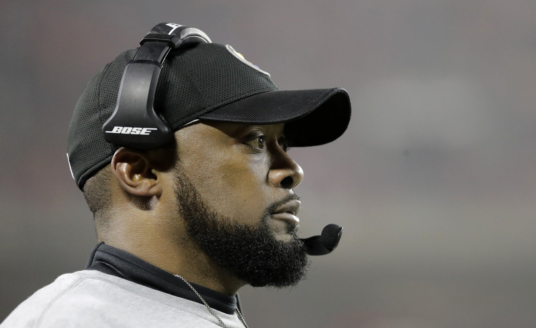 Mike Tomlin curses out Patriots while Antonio Brown broadcasts it live