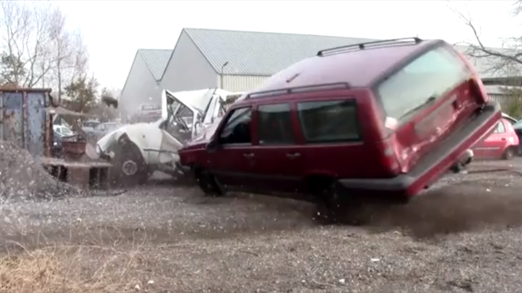 Volvo 850 smash up derby