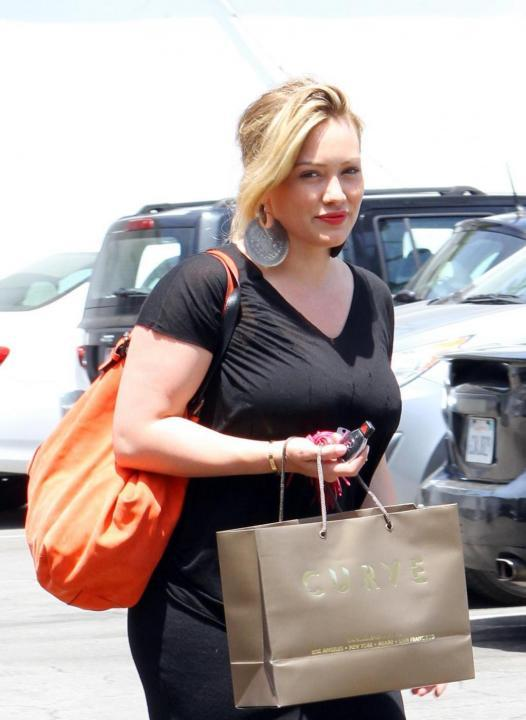 Hilary Duff shopping per Beverly Hills