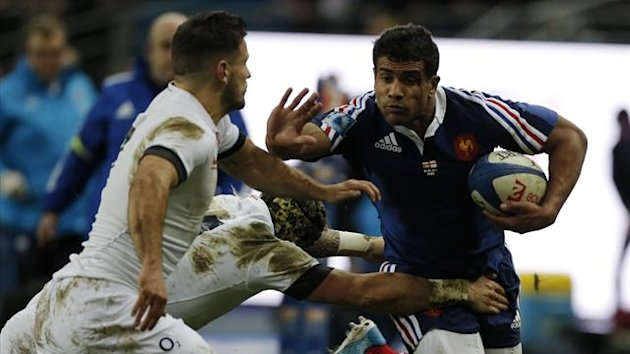 France's Wesley Fofana (R) challenges England's Courtney Lawes during their Six Nations rugby union match at the Stade de France in Saint-Denis near Paris February 1, 2014 (Reuters)
