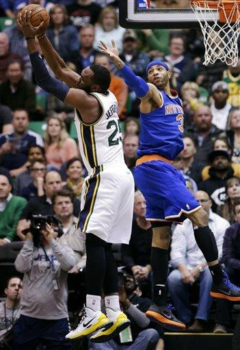 Smith lifts short-handed Knicks past Jazz, 90-83