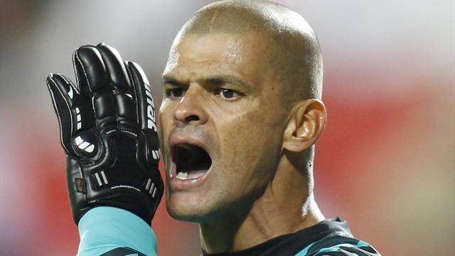 World Football - Former Colombia goalkeeper Calero dies at 41