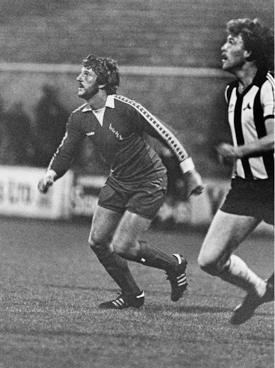 Cricketer Ian Botham playing for football team Scunthorpe United, circa 1980. Botham played for the team to regain fitness after an injury. (Photo by Chris Smith/Getty Images)