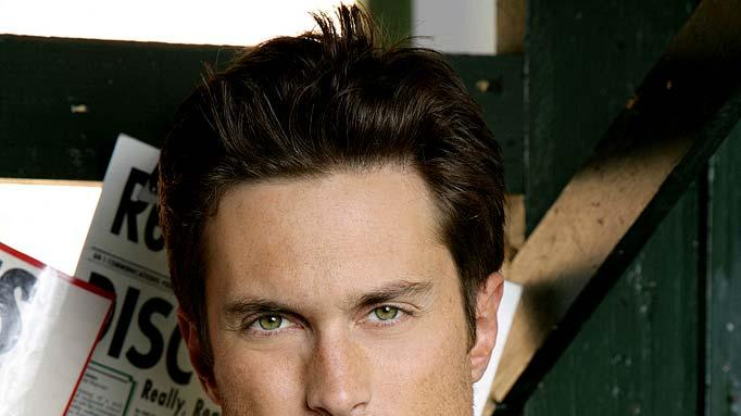 Oliver Hudson stars as Adam in Rules of Engagement.