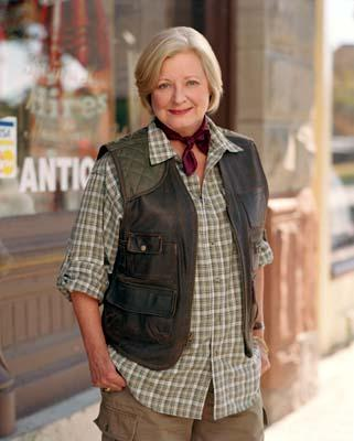 "Debra Mooney as Edna Wallace The WB's ""Everwood"" Everwood"