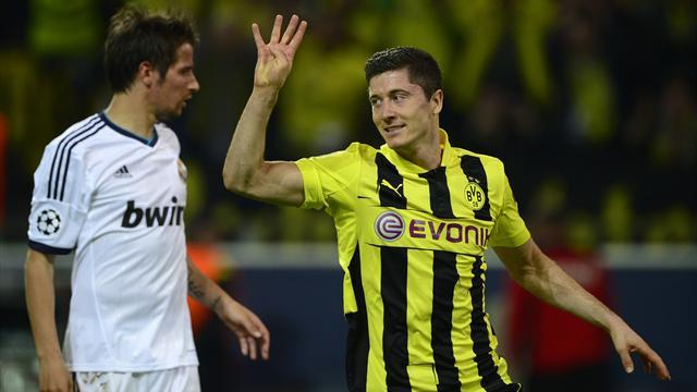 Bundesliga - Dortmund tell Lewandowski Bayern move is off