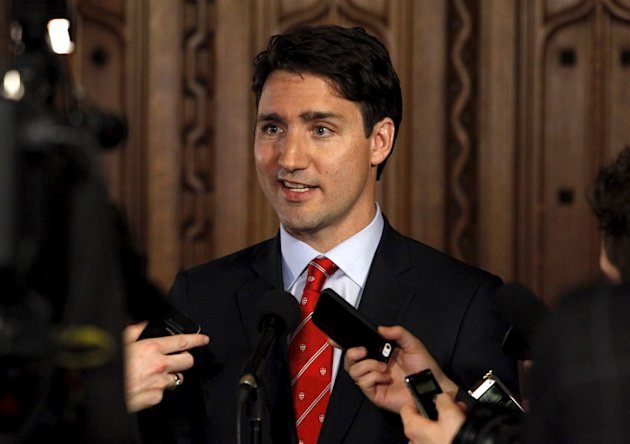 Liberal leader Justin Trudeau talks to reporters on Parliament Hill in Ottawa April 21, 2015. (Reuters)