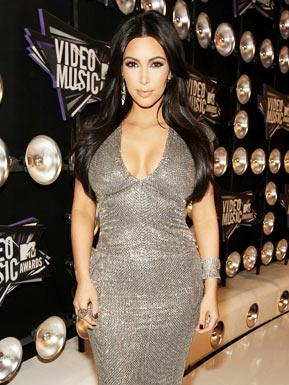 Kim Kardashian Hits VMAs Without Hubby Kris Humphries