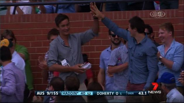 Cricket fan takes amazing catch