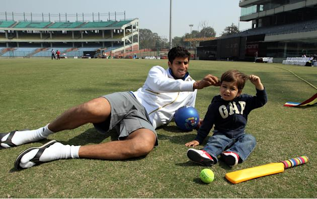 Ashish Nehra With His Son Arush