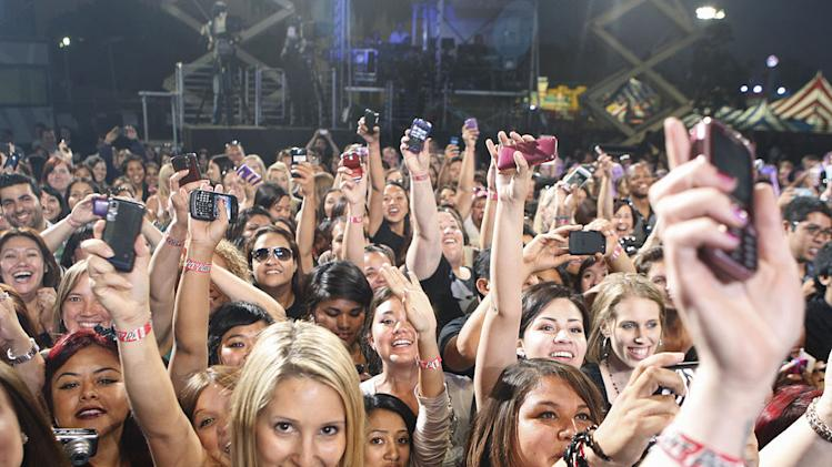 """The Twilight Saga"" fans on ""Jimmy Kimmel Live's Twilight Saga: Total Eclipse of the Heart."""