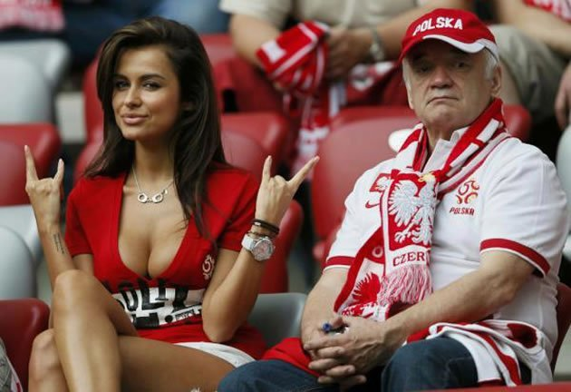 Poland's Natalia Siwiec -- set to be the sexy face of Euro 2012? (Photo: Divulgação)