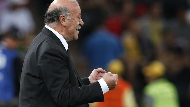World Football - Del Bosque poised to equal Kubala record