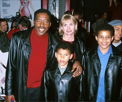 Ernie Hudson and his family at the Hollywood premiere of Warner Brothers' Miss Congeniality