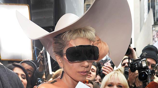 Lady Gaga Out InLA