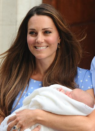 Kate Middleton And Prince William 'To Take Prince George's Official Picture Themselves'